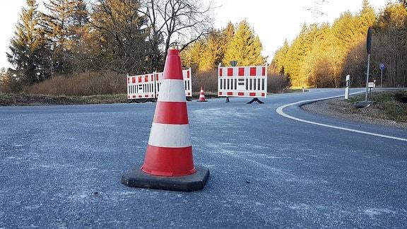 Straßensperren bei Neustadt am Rennsteig wegen Coronavirus-Quarantäne