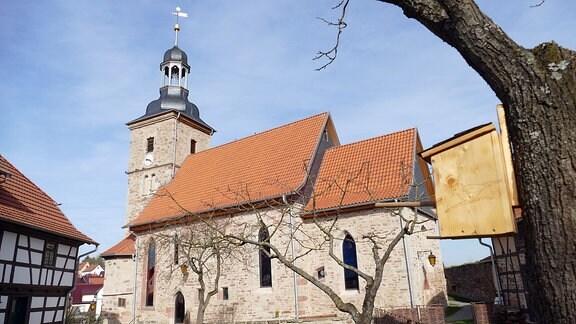 Kirche und Kirchhof