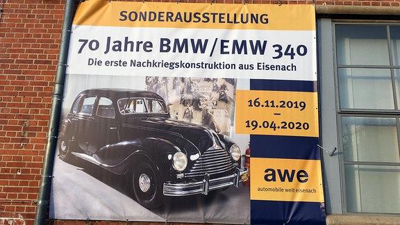 """Plakat mit Aufschrift """"70 Jahre BMW/EMW 340"""""""
