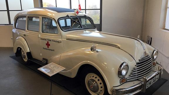 Ein historischer Krankentransporter