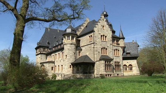 Eine Villa auf dem Pflugensberg in Eisenach. Es handelt sich dabei um den ehemaligen Bischofssitz in Eisenach.