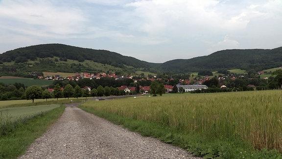 Blick auf den Kaltennordheimer Ortsteil Fischbach in der Thüringer Rhön.
