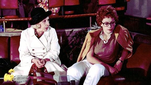 Agnes Kraus als Alma Kröpelin (l.) und Birgit Edenharter als Rosi Schröder