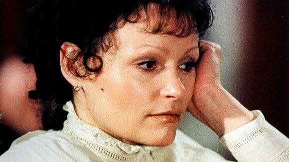 Angelica Domröse als Fleur Lafontaine