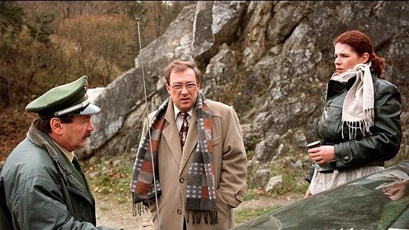 Der Pferdemörder bereitet Kommissar Schmücke, seinem Assistenten Schneider und der K-Technikerin Kopfzerbrechen.