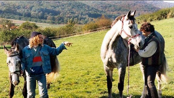 Auch die Brüder Löffler jagen auf eigene Faust den Pferdemörder.