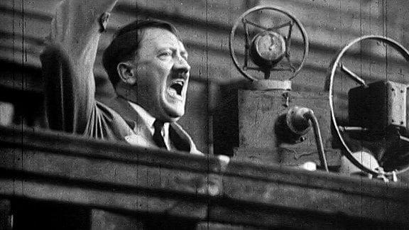 Adolf Hitler bei seiner Rede