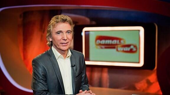 """Die Oldie-Show mit Hartmut Schulze-Gerlach Heute: Das Jahr ? MDR Fernsehen DAMALS WAR'S, """"Die Oldie-Show mit Hartmut Schulze-Gerlach Heute: Das Jahr ?"""", am Sonntag (02.03.14) um 20:15 Uhr. Moderator Hartmut Schulze-Gerlach"""