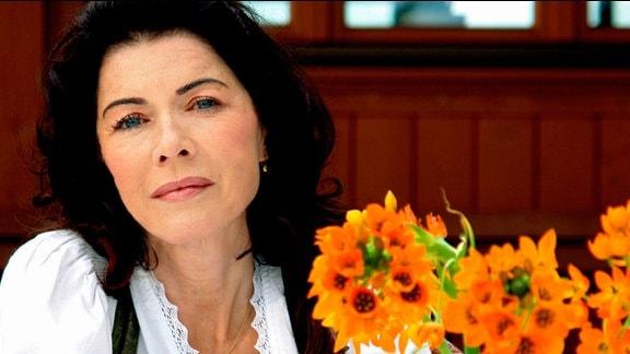 MDR Fernsehen JOHANNA - KÖCHIN AUS LEIDENSCHAFT, am Montag (05.05.14) um 20:15 Uhr. Johanna (Anja Kruse) ist von ihrem Mann verlassen worden und hat Schulden, aber sie gibt nicht auf.