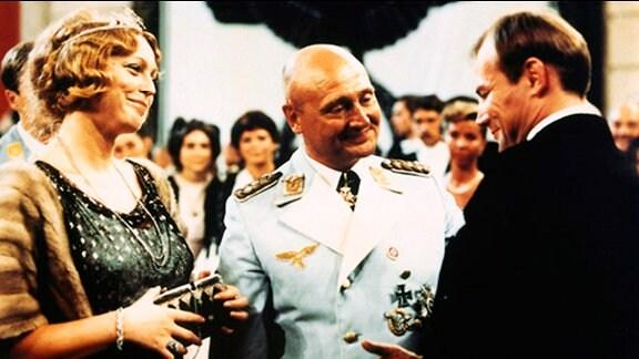 Höfgen und ein deutscher General
