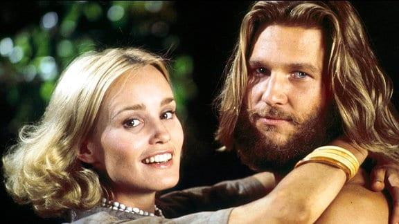 Die Schauspielerin Dwan (Jessica Lang) und der Paläontologe Jack Prescott (Jeff Bridges) fühlen sich zueinander hingezogen.