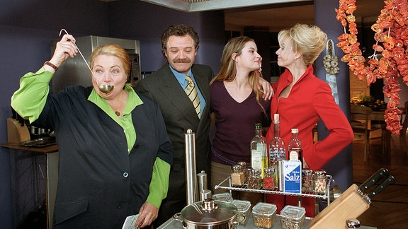 Marga Engel (Marianne Sägebrecht), Ohrmann (Gunter Berger), Olga (Ina Paule Klink), Nele Ebeling (Claudia Messner)