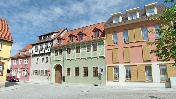 Das Erbe einer zerstörten und vernachlässigten Ascherslebener Altstadt nach 1989 war schwer. Mit öffentlichen und privaten Geldern konnte einiges gerettet und vieles wieder neu aufgebaut werden.