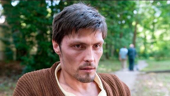 Hannes (Stipe Erceg) verbringt seine letzten Tage im Sterbe-Hospiz.