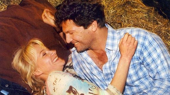 Auf der Suche nach ihrem Vater und sich selbst fand Christine Grasser (Eva Herzig) unverhofft auch die Liebe zu Markus (Francis Fulton-Smith)