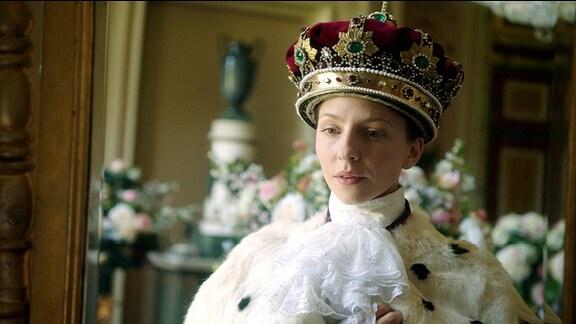 Frau Ilsebill (Katharina Schüttler) ist König.