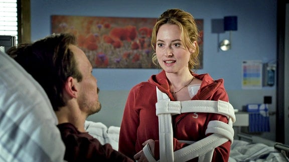 Christiane am Krankenbett von Carsten Siemers