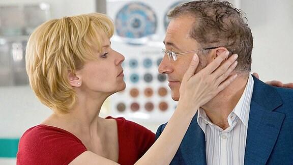 Kathrin (Andrea Kathrin Loewig) und Paul Andermatt (Robert Giggenbach)