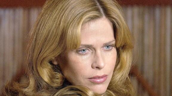 Zwischen Anna (Ursula Buschhorn) und ihrer groߟen Jugendliebe Nick (Michael von Au) kommt es zu einer schwierigen Annäherung.
