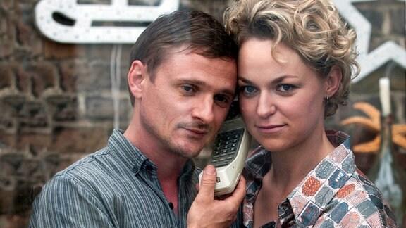 Florian Lukas als Martin und Lisa Wagner als Katja