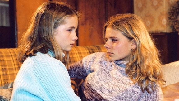 Cornelia Gröschel als Lilly und Louisa Herfert als Katrin