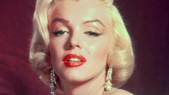 Marilyn Monroe als Pola Debevoise