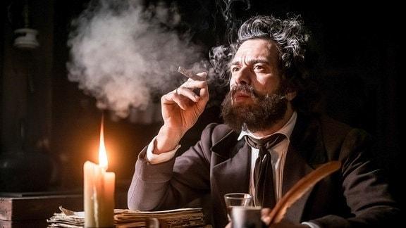 Karl Marx gespielt von Kai Schumann
