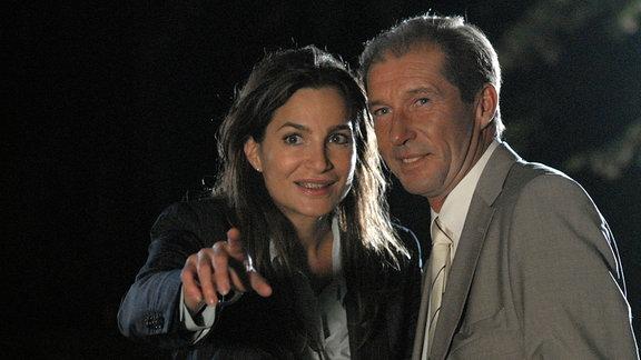 Michael Lesch als Dr. Fährmann und Alexandra Kamp als Dr. Lena Weingarten