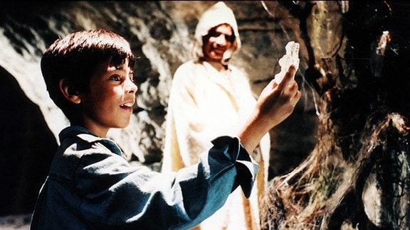 Tief in der Schlucht findet Kubas (Gregorz Ruda) den letzten Teil des Sagala