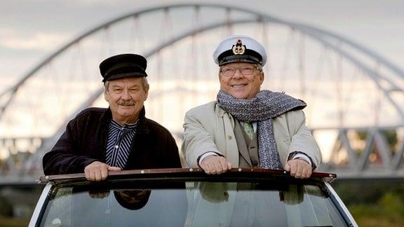 Schmücke (Jaecki Schwarz) und Schneider (Wolfgang Winkler) (Szene aus Polizeiruf 110: Laufsteg in den Tod).