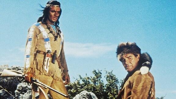 Winnetou (Pierre Brice) und sein Freund Old Firehand (Rod Cameron)