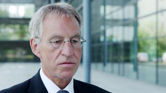 Jochen Hollmann Landesamt für Verfassungsschutz Sachsen-Anhalt