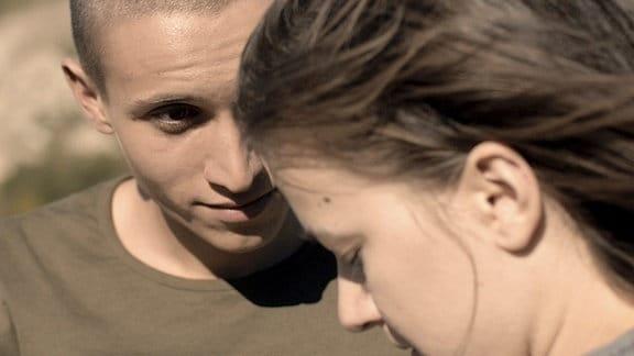 Dian (Dimitar Nikolov) und Andrea (Ina Effenberger) begegnen sich zum ersten Mal imSüden Bulgariens 1989.