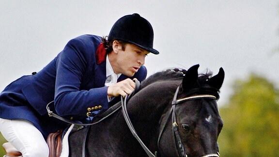 Für Pierre Durand geht ein Traum in Erfüllung, als er mit seinem Pferd Jappeloup in die französische Nationalmannschaft berufen wird.
