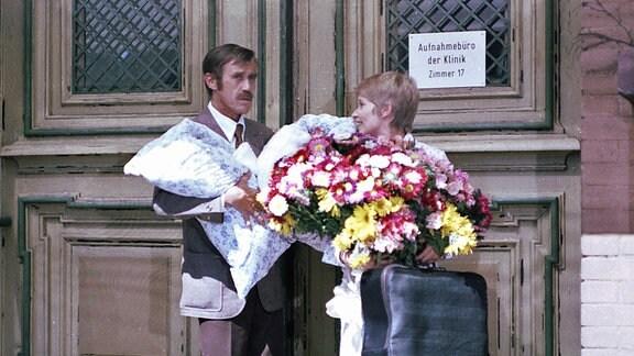 Hannes Blaschke (Martin Trettau) und seine Frau Maxi (Barbara Dittus)