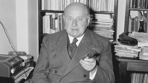 Dr. Gottfried Benn