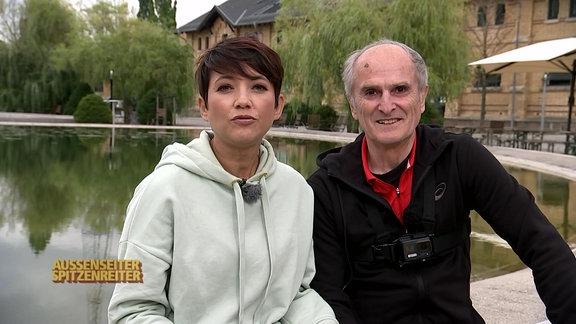 Moderatorin Madeleine Wehle und Marathon-Olympiasieger Waldemar Cierpinski.