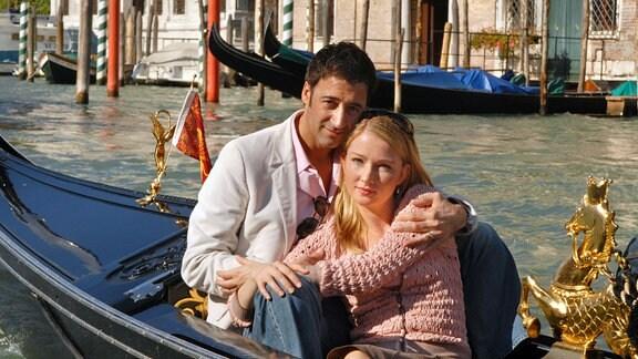 Lisa und ihr Mann Stefano fahren nach Venedig zu einer zweiten Hochzeitsreise.