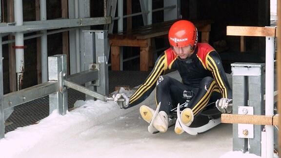 Timo beim Training auf der Bobbahn in Altenberg