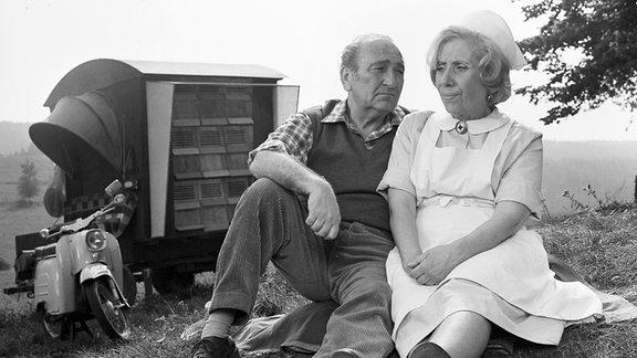 Walter Richter-Reinick (Karl Willmann, li.) und Agnes Kraus (Gemeindeschwester Agnes Feurig, re.)
