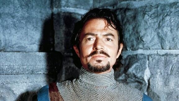 Der mutige Ritter Brack (James Mason) begibt sich auf die Suche nach dem schwarzen Ritter.