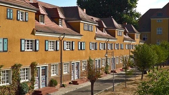 Häuserzeile am Schillerplatz