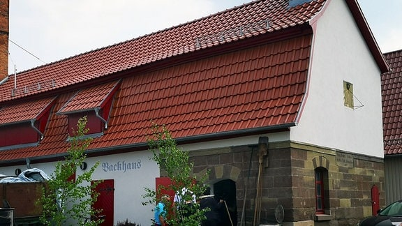 bäuerliches Gebäude mit Walmdach