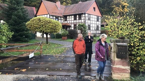 In der alten Bornmühle wohnt die ehemalige Müllers-Enkelin. Zusammen mit ihrem Mann Carsten hat Diana Steube das Haus nach der Wende wieder zu alter Schönheit geführt.
