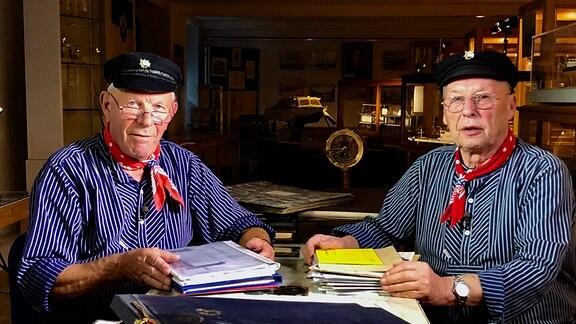 Hans Friedrich und Dieter Herrmann waren Ingenieure auf der Roßlauer Schiffswerft - ihr gesamtes Arbeitsleben haben sie auf der Roßlauer Werft verbracht. (v.l.)