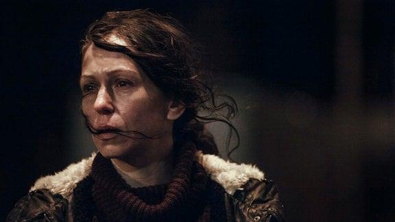 Hanka (Zuzana Stivínová) muss sich bei ihren Nachforschungen unbequemen Wahrheiten stellen.