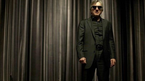 Diabolisch und schwer zu durchschauen: Der blinde Simon Silver (Robert De Niro) ist der Star der Mentalisten- und Wunderheilern-Szene.