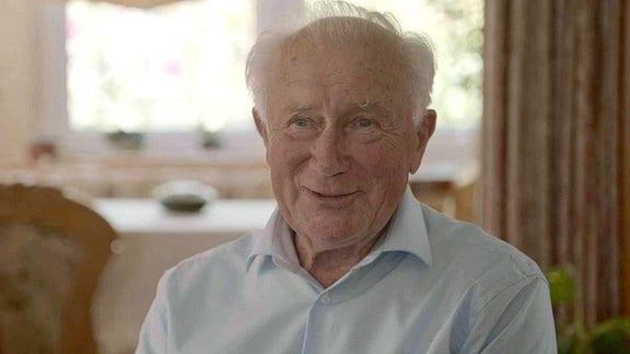 Sigmund Jähn – geboren in dem kleinen Ort Morgenröthe-Rautenkranz, aufgewachsen in den Wäldern des Vogtlandes ist er seiner Heimat stets eng verbunden geblieben.