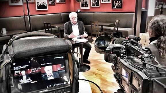 Rainer Bursche beim Interviewdreh