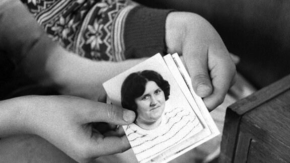 Dieser schwarz-weiß-Dokumentarfilm aus dem Jahr 1978, der bis 1989 verboten wurde, berichtet über eingewiesene Jugendliche im Kinderheim von Mentin.